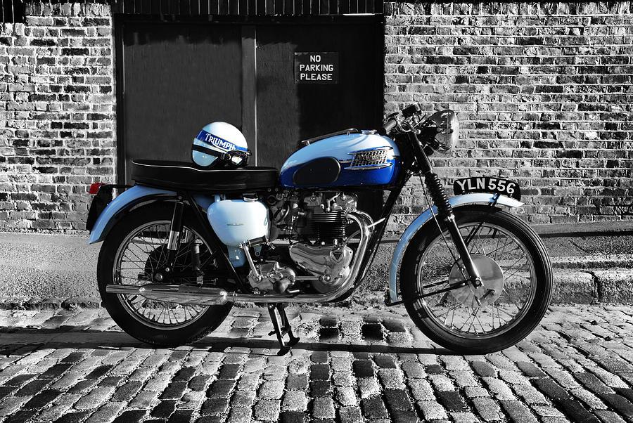 Triumph Bonneville T120 Photograph
