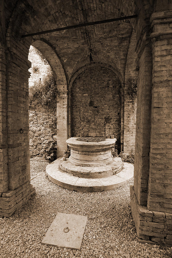 Tuscan Well Photograph