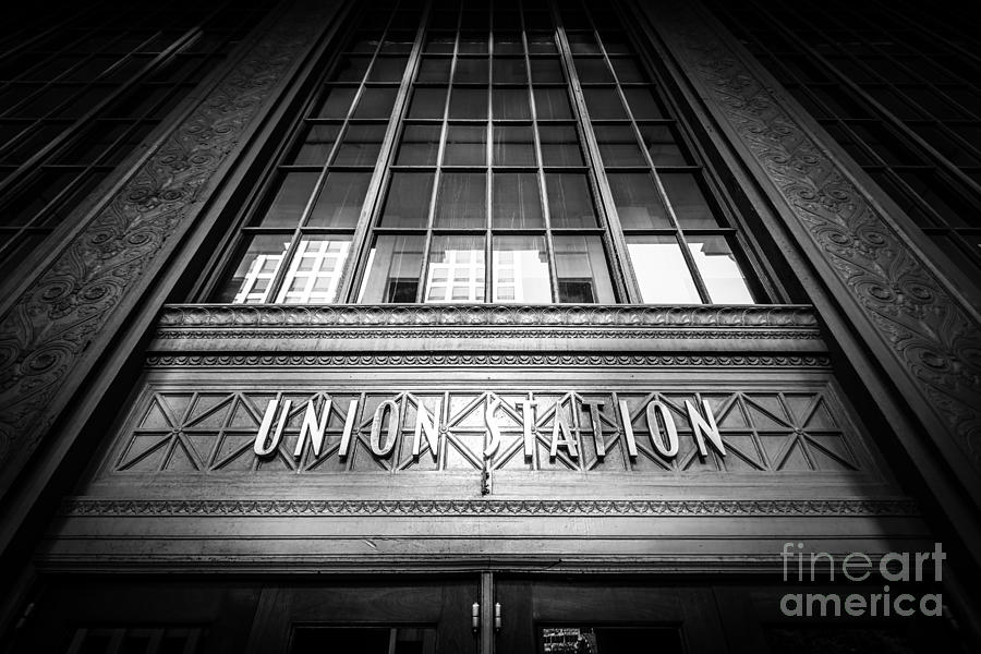 America Photograph - Union Station Chicago In Black And White by Paul Velgos