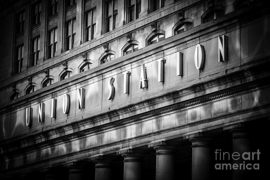 Union Station Chicago Sign In Black And White Photograph