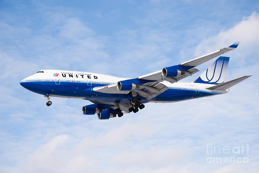 United Airlines Boeing 747 Airplane Landing Photograph  - United Airlines Boeing 747 Airplane Landing Fine Art Print