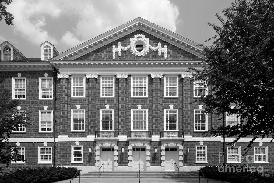 University Of Delaware Wolf Hall Photograph