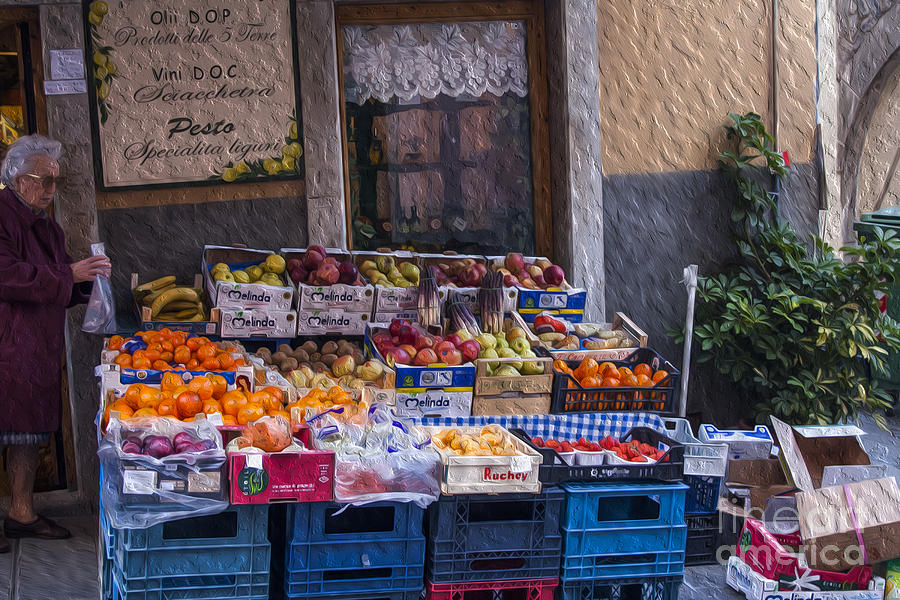 Market Digital Art - Vegetable Stand Italy by Patricia Hofmeester