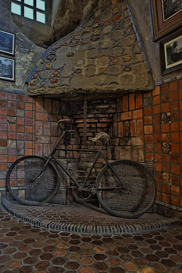 Byzantine Photograph - Vintage Bicycle by Susan Candelario