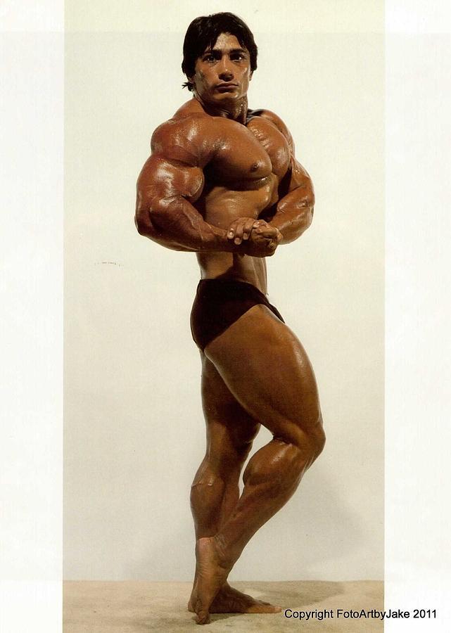 Vintage Bodybuilder Print Photograph: fineartamerica.com/featured/vintage-bodybuilder-print-jake-hartz.html