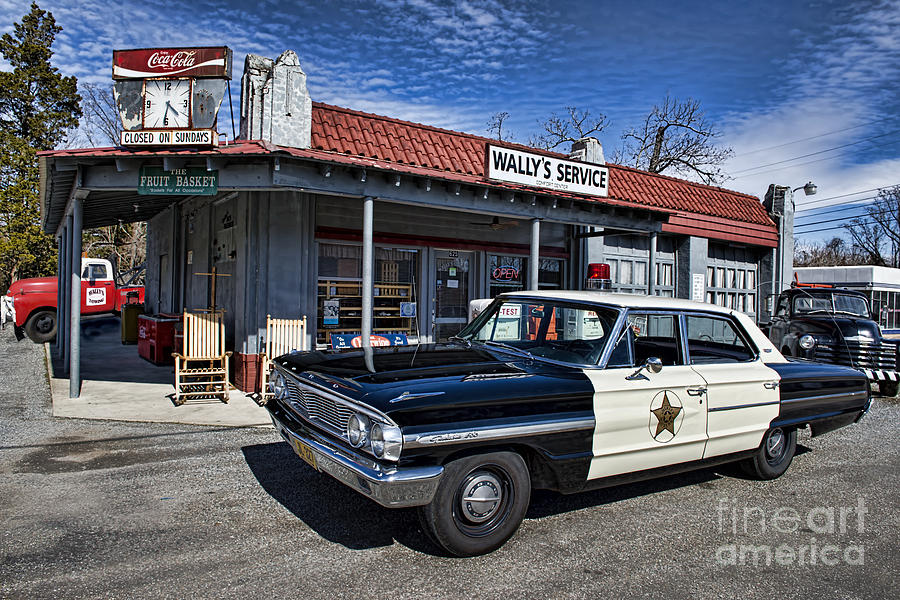 Mt Airy Photograph - Wallys Service Station by David Arment
