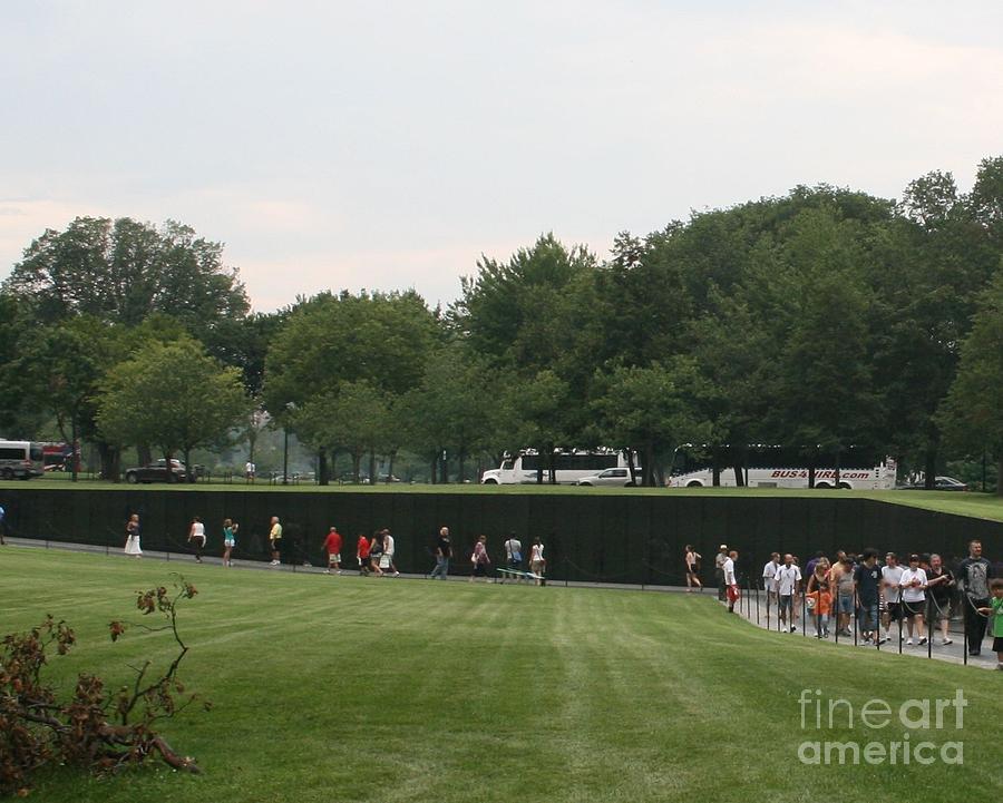 Washington Dc Vietnam Veterans Memorial Wall 06 by