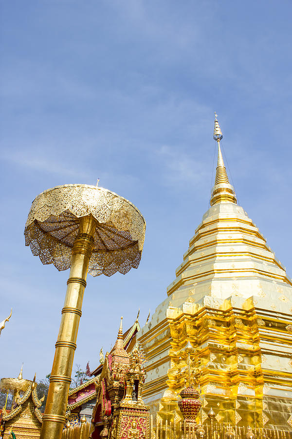 Wat phrathat doi suthep temple in chiang mai thailand for Wat architecture