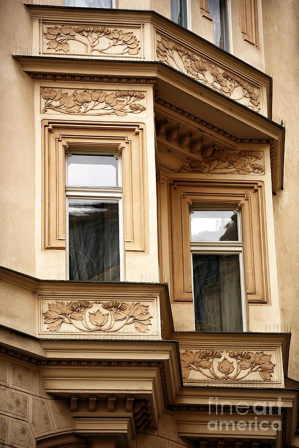 Window Dimensions Photograph