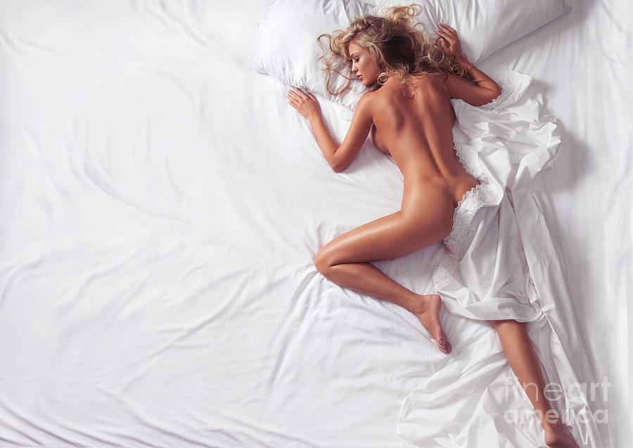 Women Sleeping Naked 30