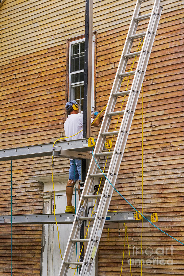 Woodsanding Photograph - Wood Sanding The House by Patricia Hofmeester
