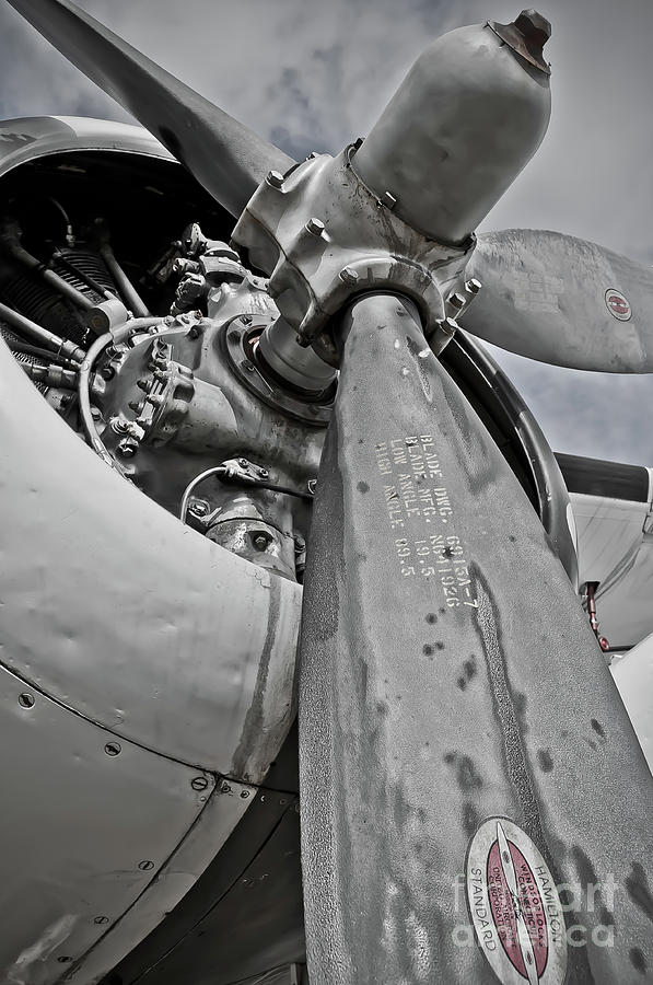 Wright R-1820-82 Cyclone Photograph