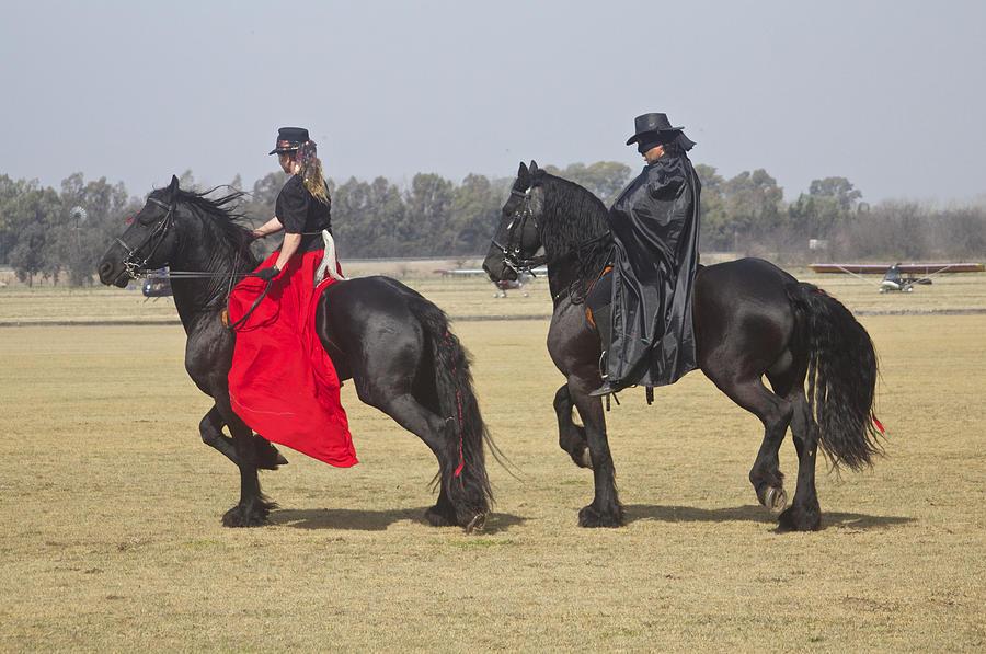 Zorro Antonio Banderas On Horse Zorro And His Lady On Their