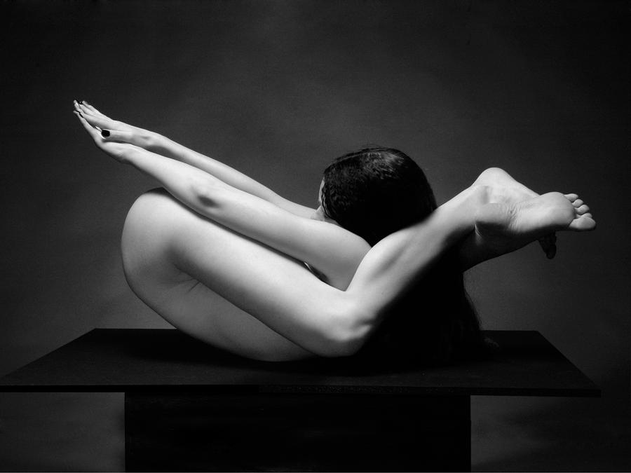 Flexible Nude 7487 Photograph - Flexible Nude 7487 Fine Art Print - Chris ...