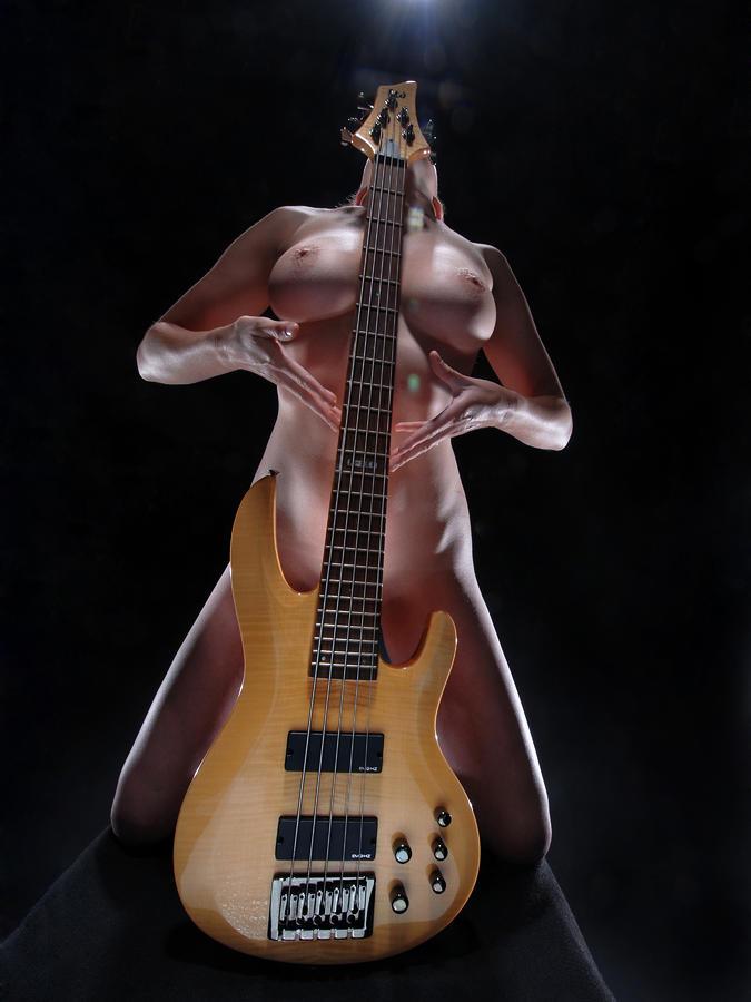her-lovers-bass-guitar-8778-chris-maher.jpg