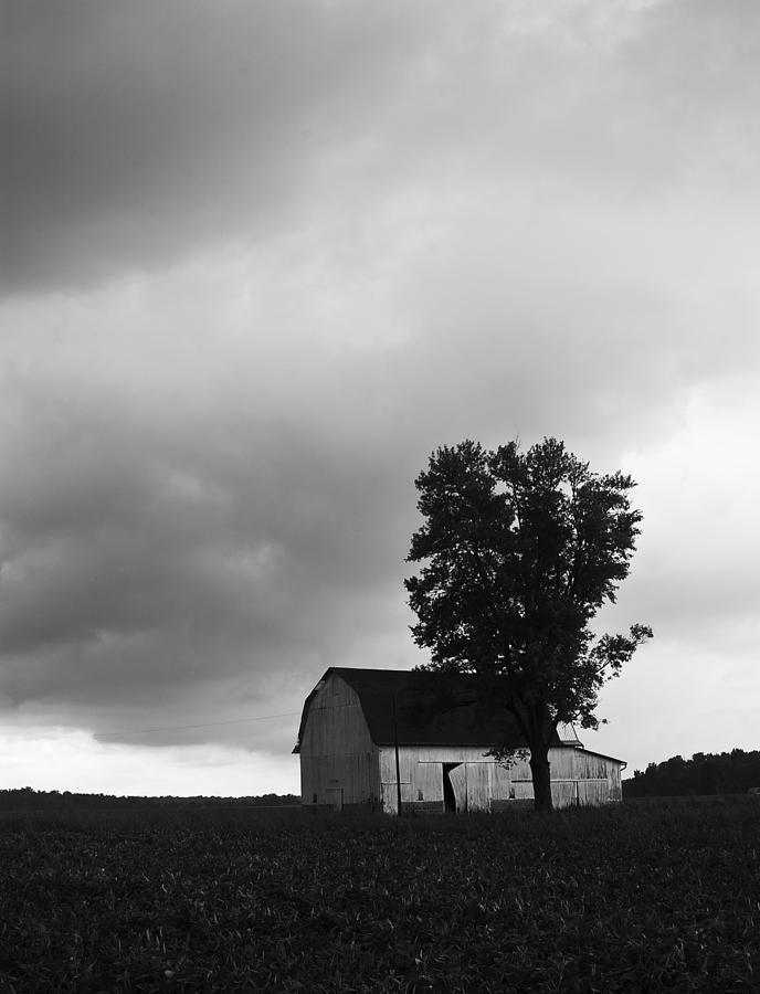 Barn Photograph - 081412-107 by Mike Davis
