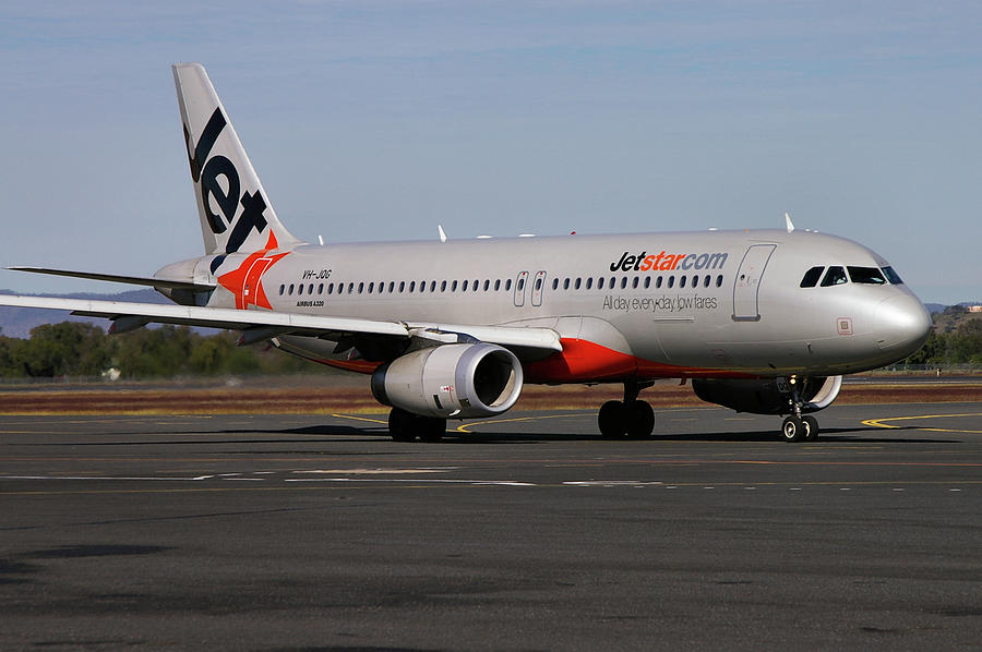 Airbus A320-232 Photograph