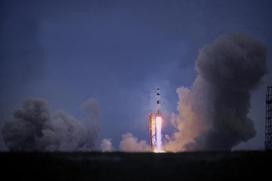 flights to the moon apollo - photo #32