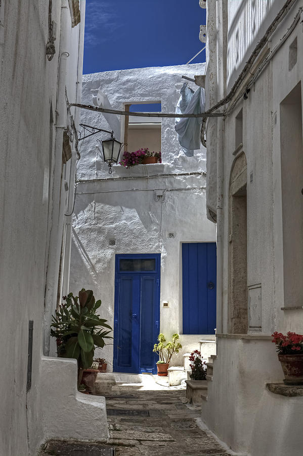 Backyard Photograph - Apulia - Blue-white by Joana Kruse