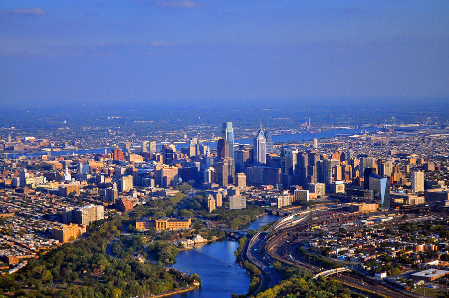 1-boathouse-row-philadelphia-pa-skyline-