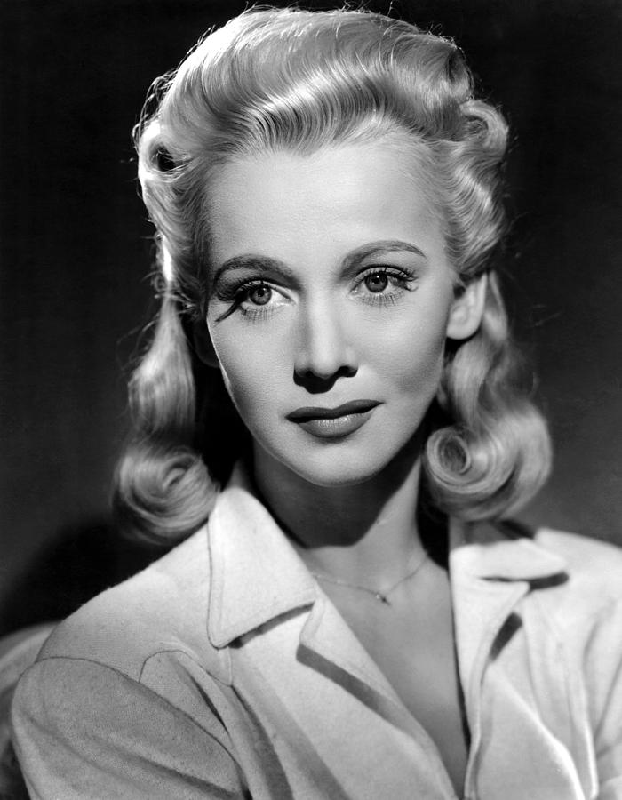 1940s Photograph - Carole Landis, Ca. Early-mid 1940s Fine Art Print