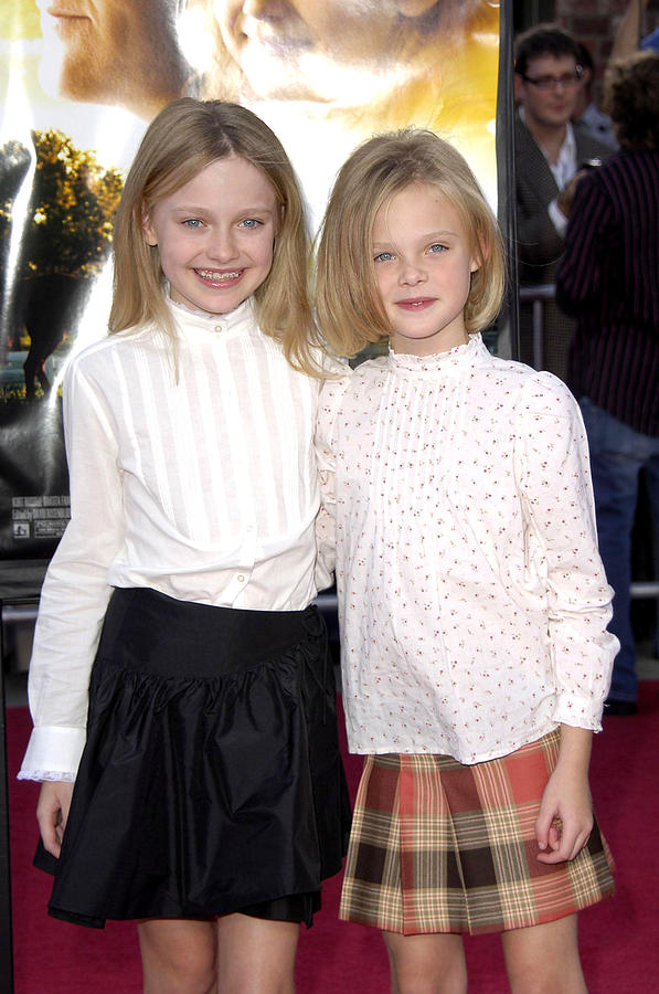 Premiere Of Dreamer Photograph - Dakota Fanning, Elle Fanning by Everett