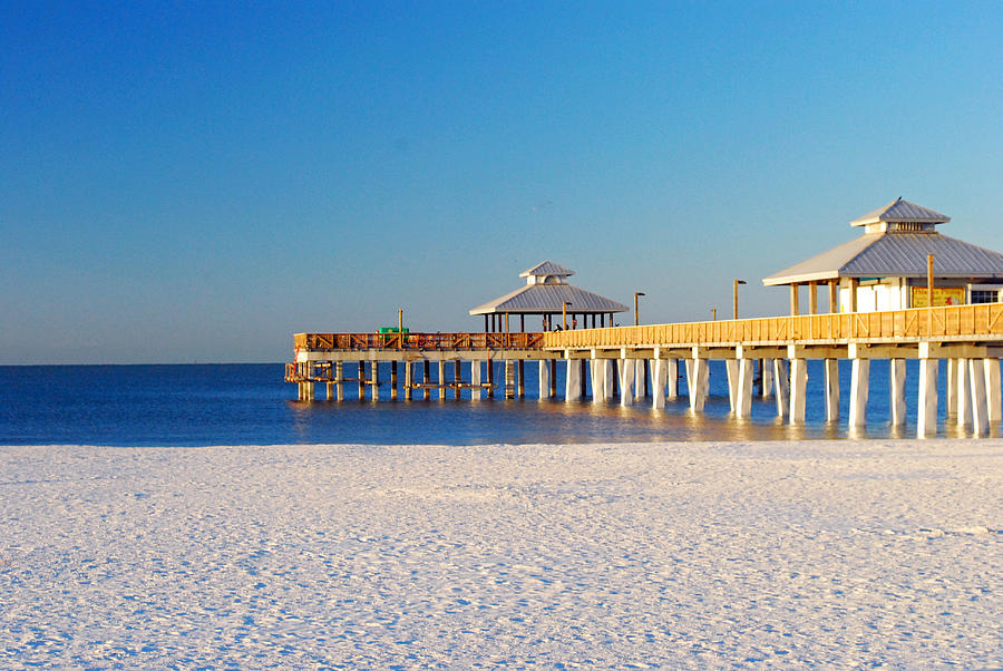 Moving to fort myers fort myers beach florida for Fort myers beach fishing pier