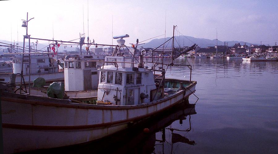 Japanese fishing boats photograph for Japanese fishing boat