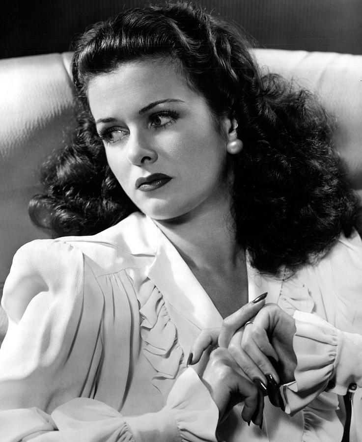 Joan Bennett, Portrait Photograph - 1-joan-bennett-portrait-everett