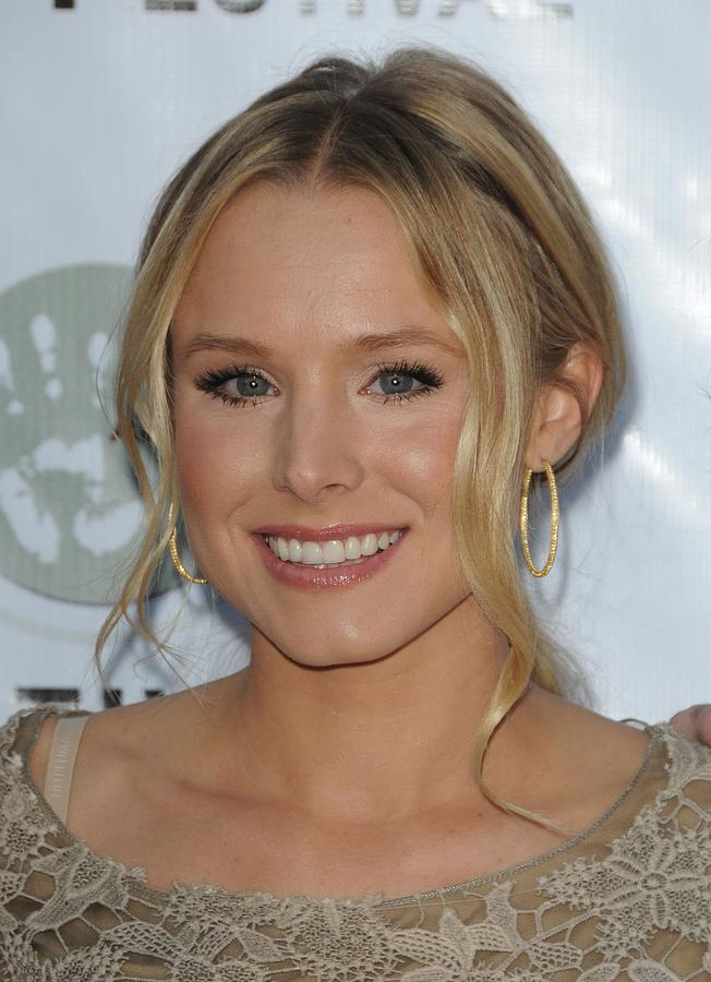 Kristen Bell At Arrivals For Artivist Photograph