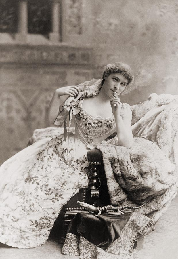 Lillie Langtry 1853-1929, English Photograph  - Lillie Langtry 1853-1929, English Fine Art Print