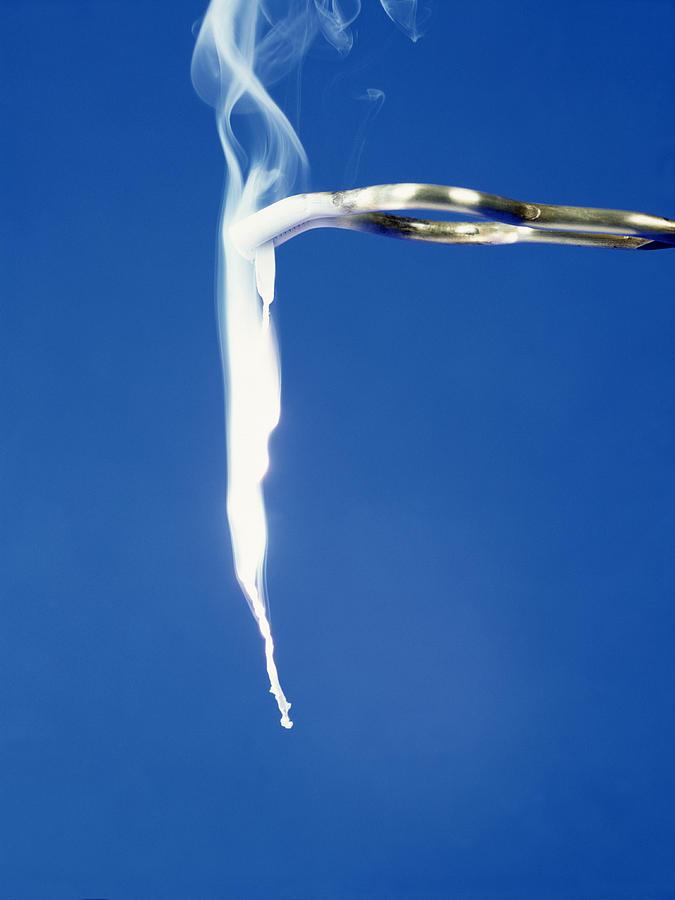 Magnesium Ribbon Burning In Nitrogen Dioxide Atmosphere Ii ...