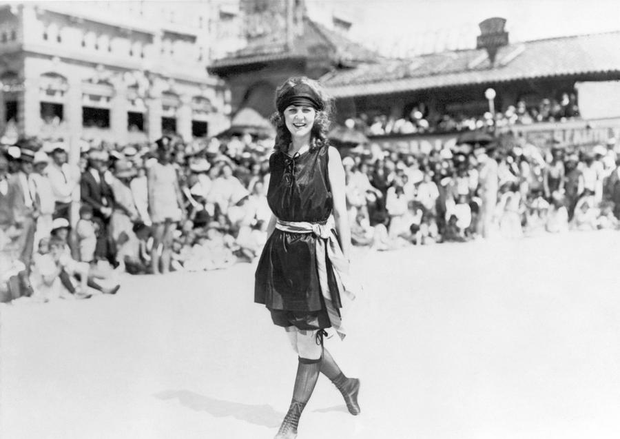 http://images.fineartamerica.com/images-medium-large/1-margaret-gorman-1921-granger.jpg