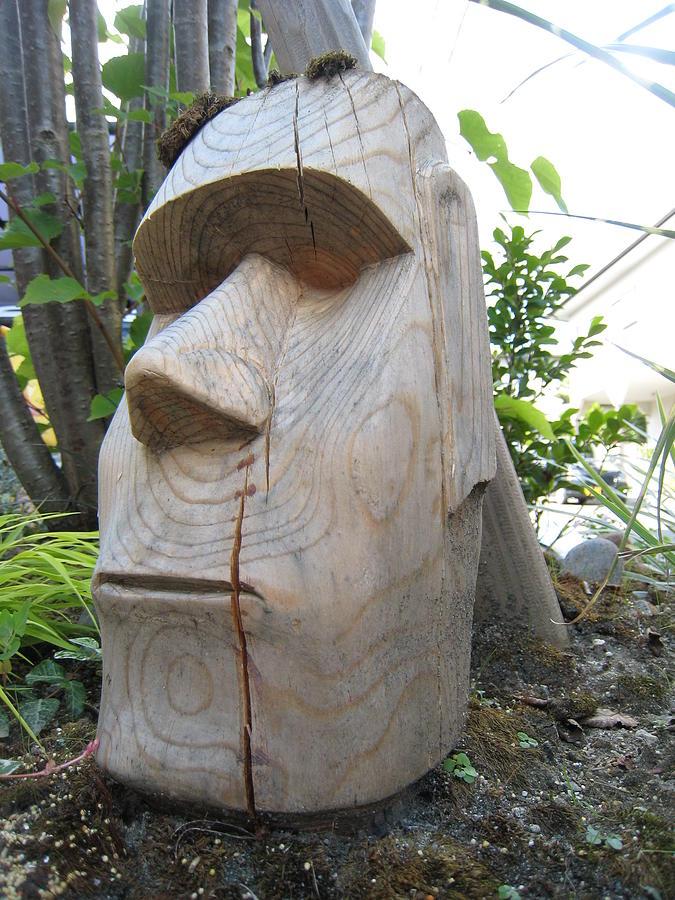 moai garden sculpture by braven smillie. Black Bedroom Furniture Sets. Home Design Ideas