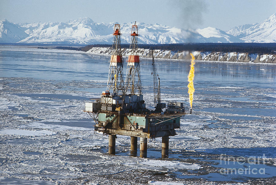 alaska oil drilling But it's not what's on top of the ground that big oil covets—it's the billions of barrels of crude oil that may lie below for more than four decades, alaska's congressional delegation and their oil and gas allies have been pushing to drill here in the arctic national wildlife refuge, or anwr and more than once.