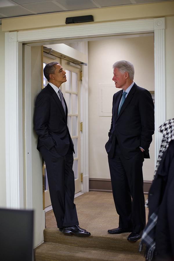President Obama Talks With Former Photograph  - President Obama Talks With Former Fine Art Print