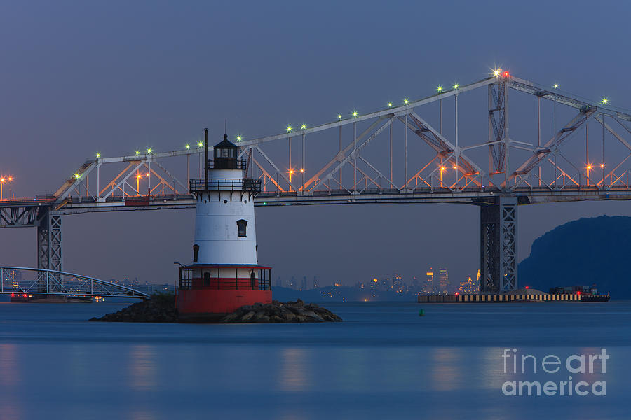 Tarrytown Lighthouse And Tappan Zee Bridge At Twilight Photograph