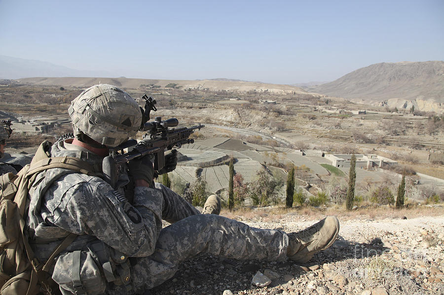 U.s Army Soldier Scans His Sector Photograph