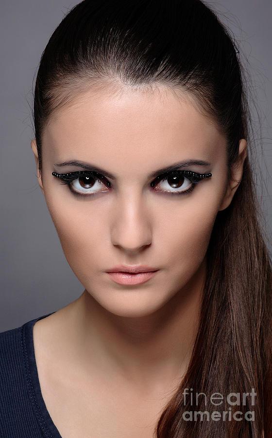 girls face: