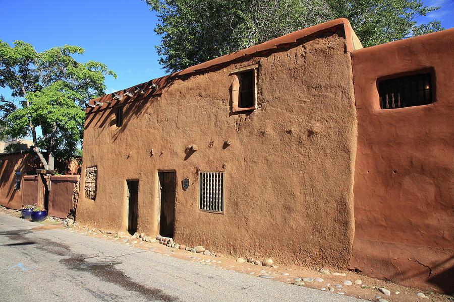 Santa Fe Adobe Building By Frank Romeo Santa Fe