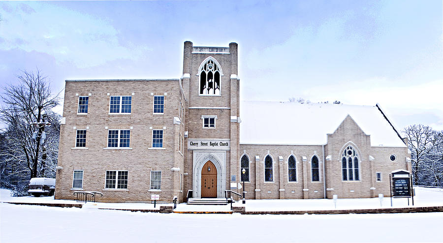 Clarksville Photograph - 1001-0369 Cherry Street Baptist Of Clarksville by Randy Forrester