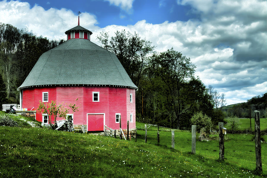 16 Sided Barn by Jack R Perry