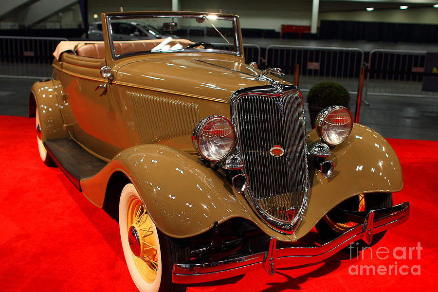 1934 Ford Model 40 Deluxe Cabriolet Photograph
