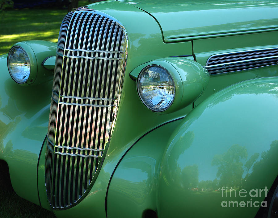 1935 Olds Grill Photograph - 1935 Oldsmobile Grill by Peter Piatt