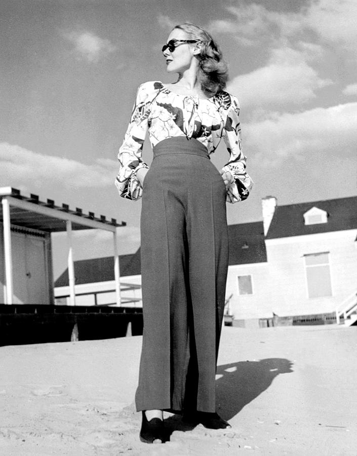 1940s Fashion A Peasant Top Photograph