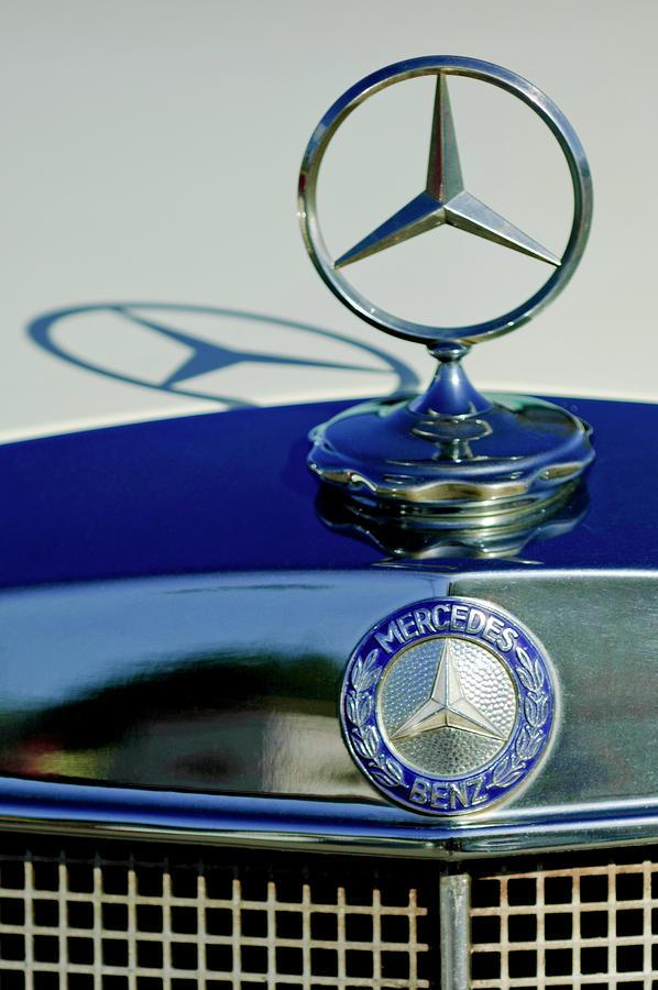 1965 Mercedes 220 Se Cabriolet Hood Ornament Photograph