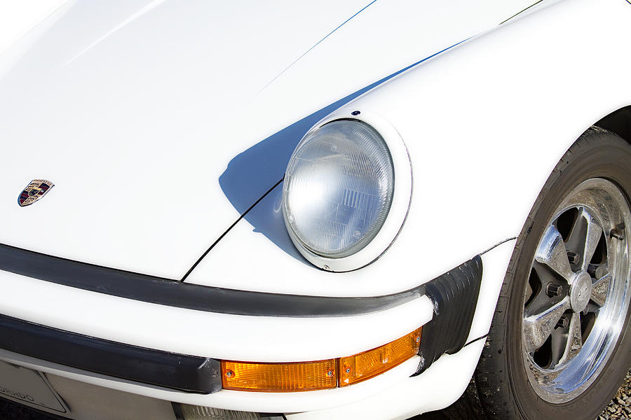 1987 White Porsche 911 Carrera Front Photograph