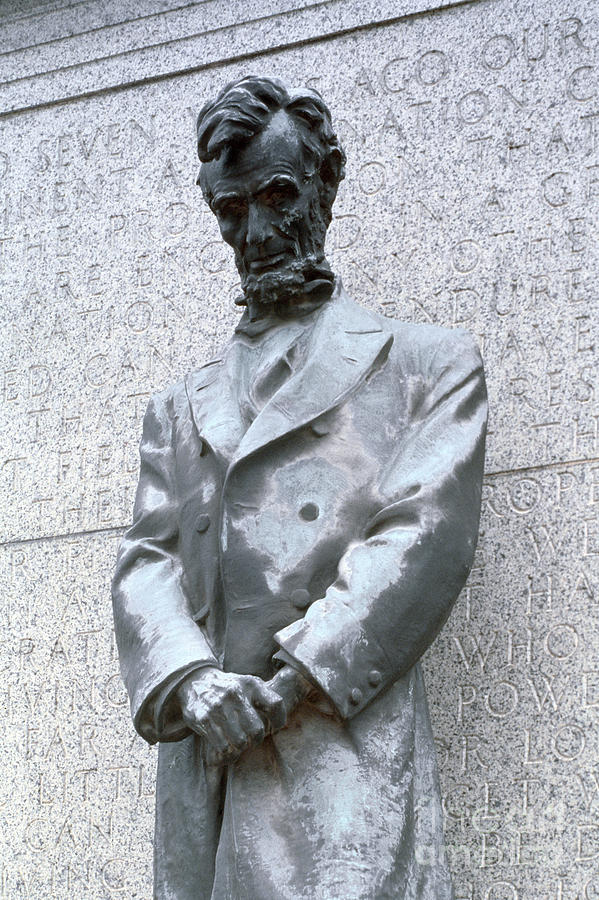 19th Century Photograph - Abraham Lincoln Statue by Granger