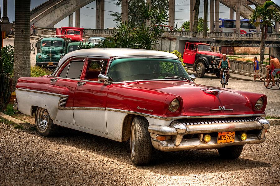cuban cars photograph by jolanta bugajski. Black Bedroom Furniture Sets. Home Design Ideas