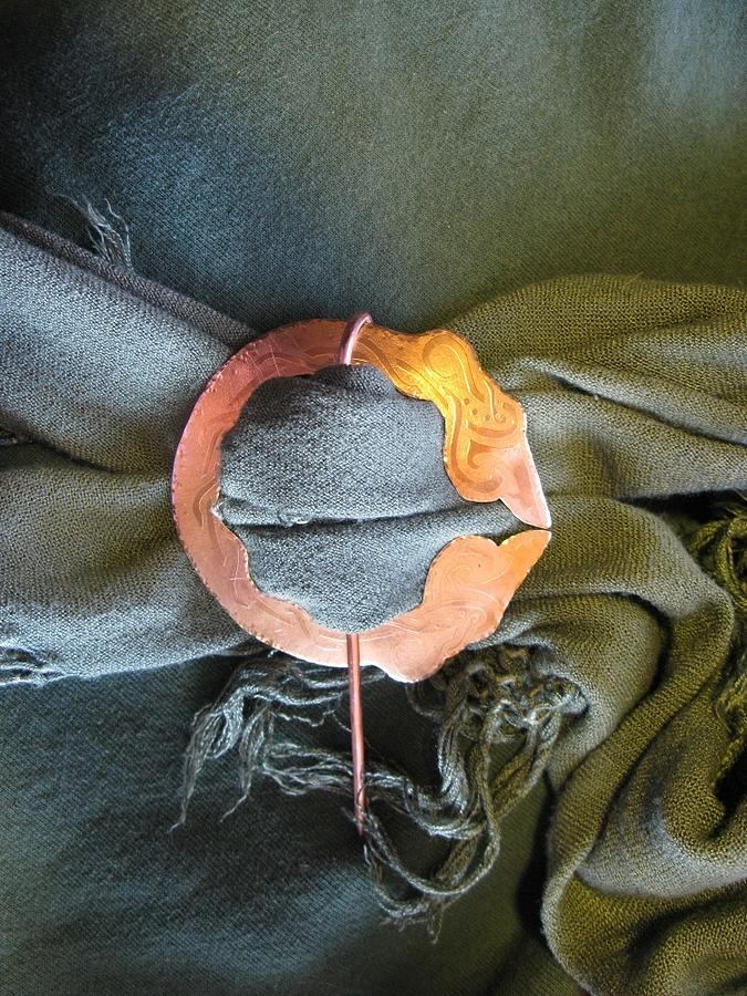 2 Dragon Penannular Brooch Jewelry